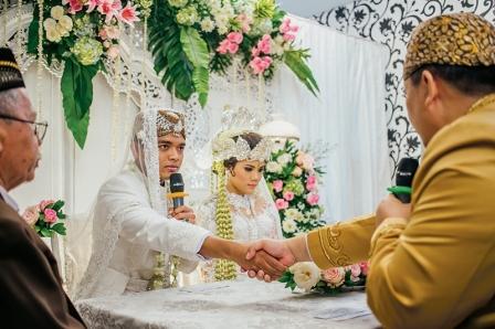 Revisi UU Perkawinan Disahkan DPR, Usia Minimal Nikah 19 Tahun